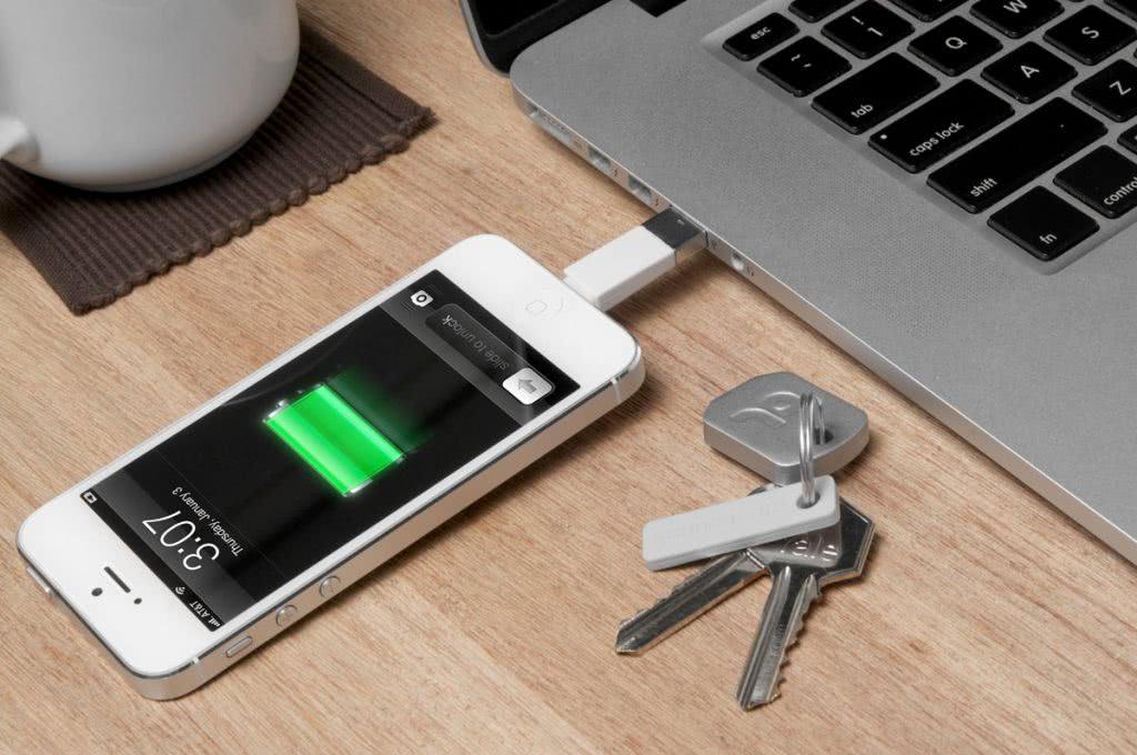 Iphone5 заряжается